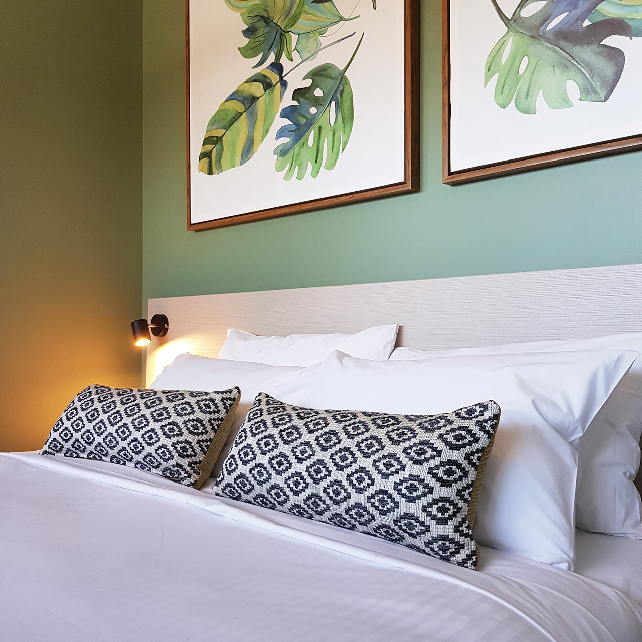 Commercial Hotel: Bed Feature