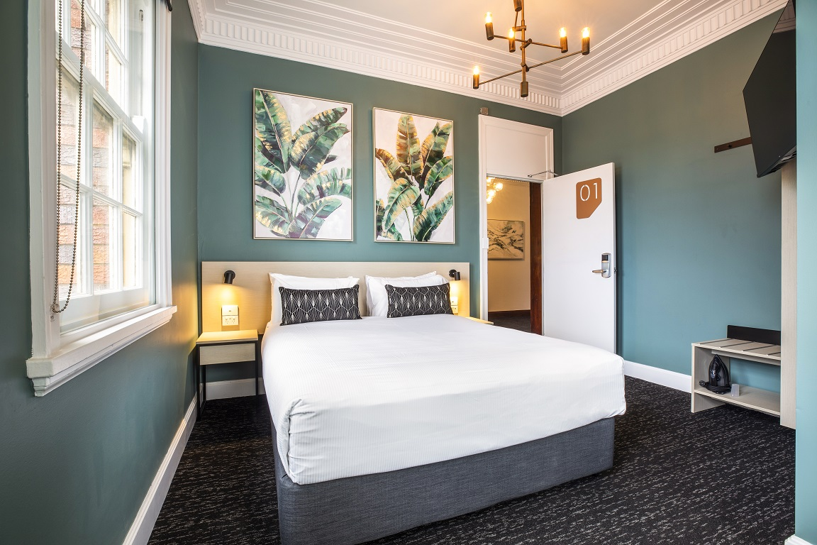 Pymble Hotel Queen Bed