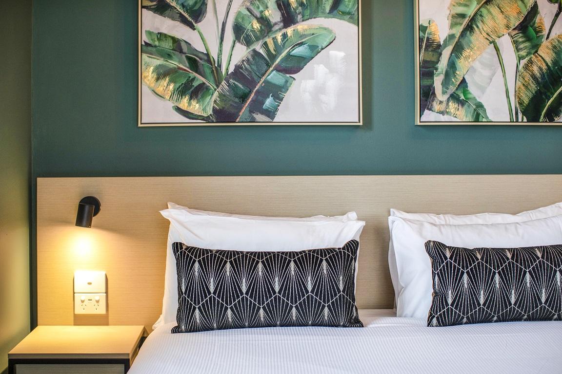 Pymble Hotel Cushion